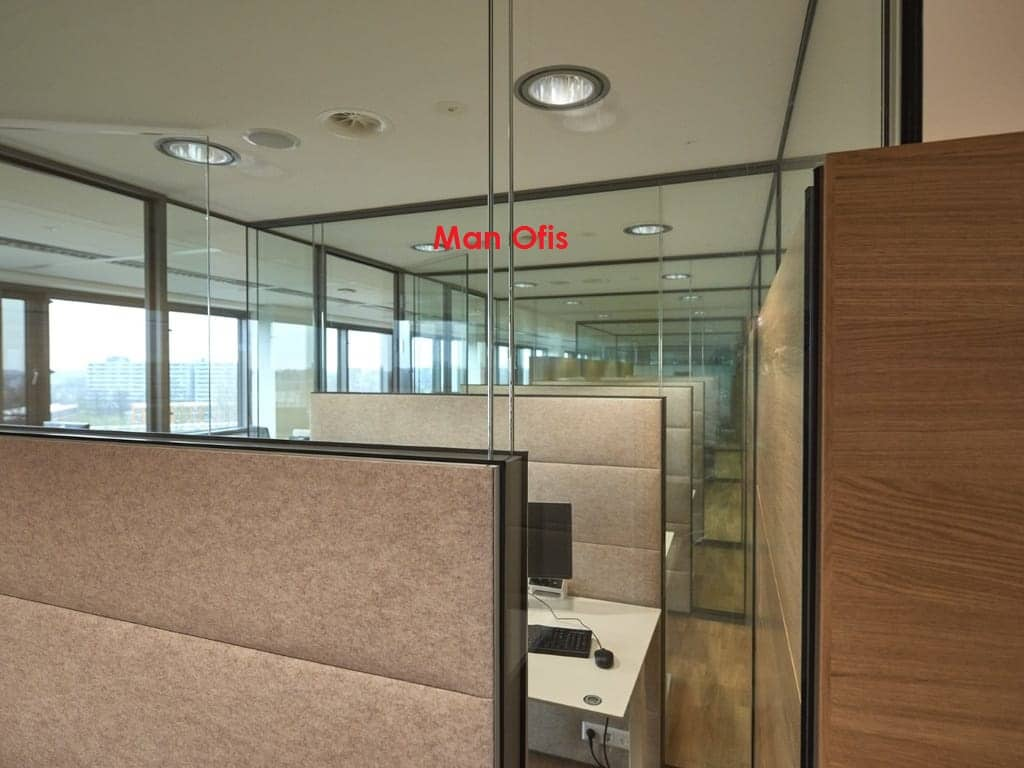 Man Office - Partition Wall Istanbul